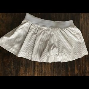 Nike grey stripe tennis skirt